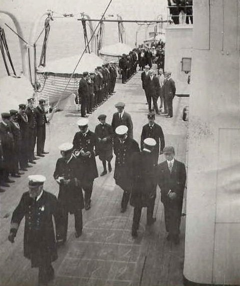 Captain-Smith-on-Sunday-morning-inspection-RMS-Adriatic1
