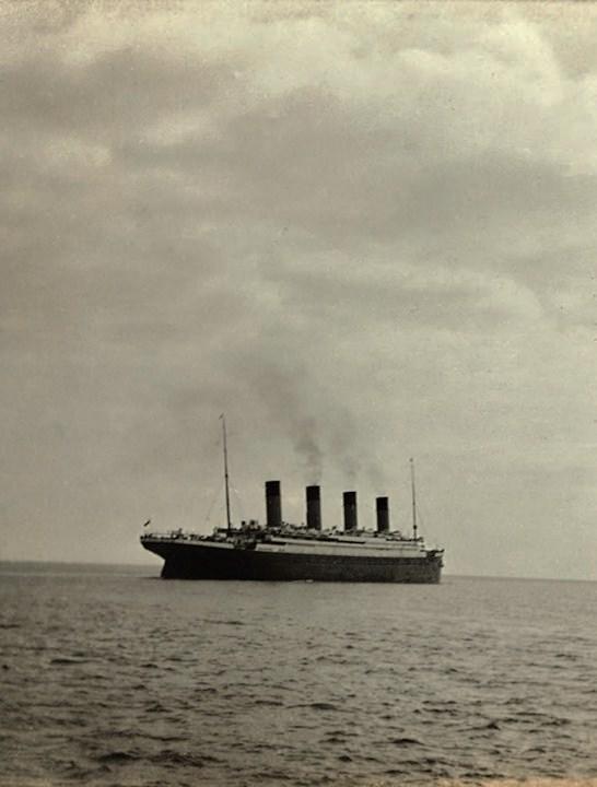 Last-Photo-Titanic-Leaving-Queenstown