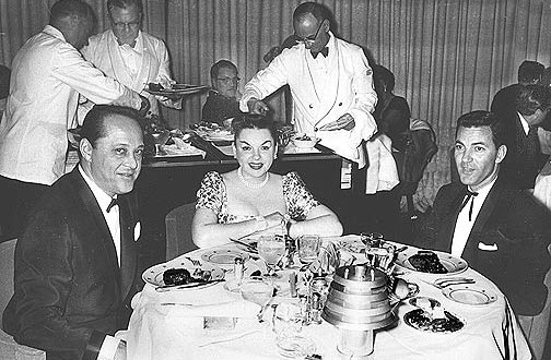 PASSENGER LISTS – Judy Garland is on board the SS United States
