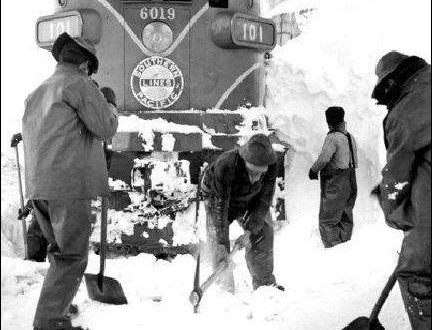 1952 Blizzard Snared the streamliner City of San Francisco…  a Train in Its Frigid Grip
