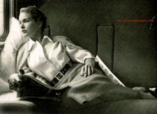 "Throwback Thursday – Mid-Century – 1950s ""Psycho"" Star Janet Leigh aboard the Santa Fe streamliner SUPER CHIEF"