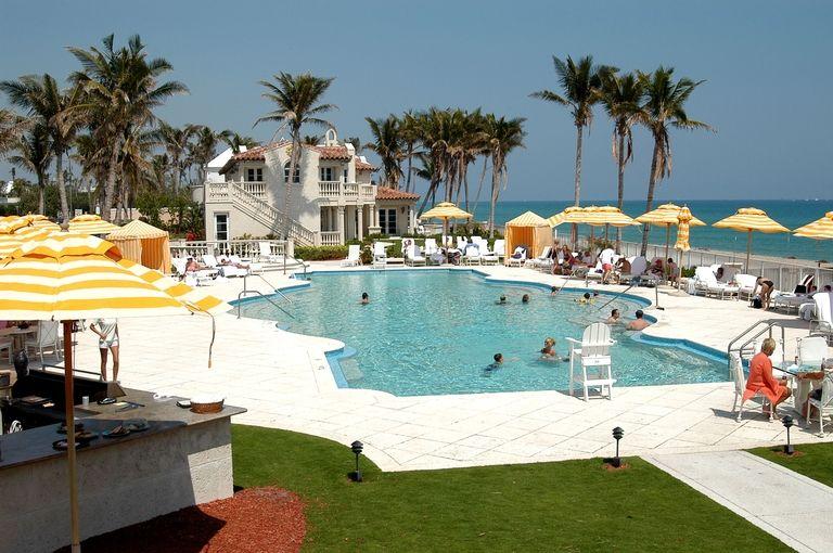gallery-1469548775-mar-a-lago-beach-club